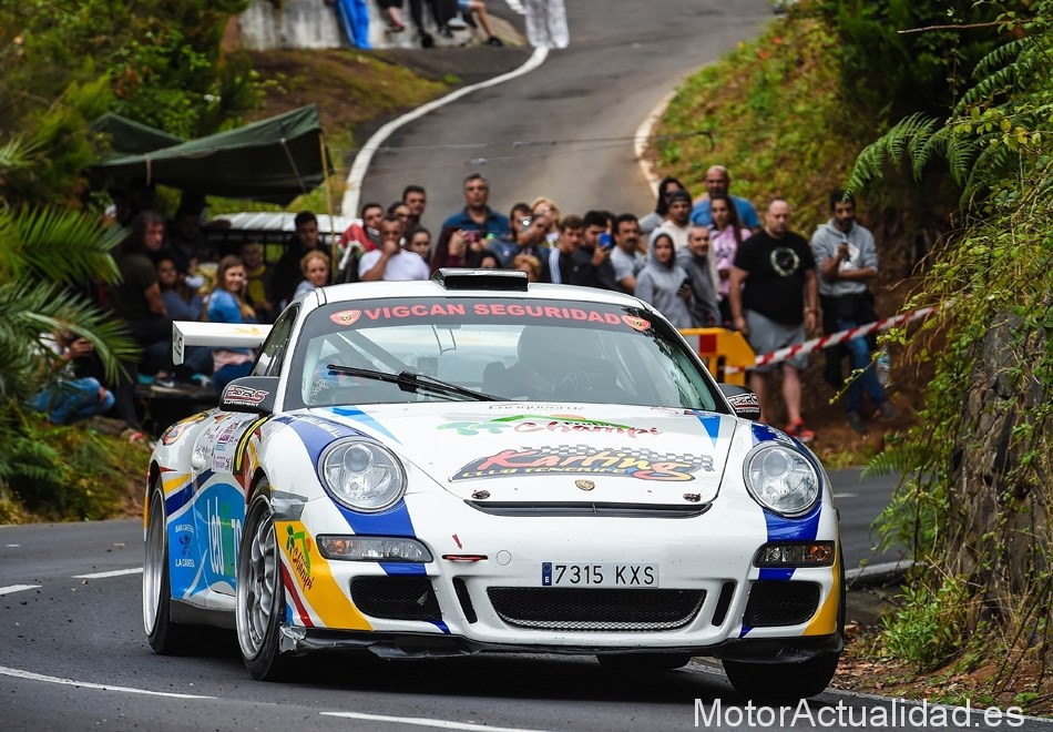 Porsche 911 GT3 - Neftalí Martín / Estefanía Rodríguez